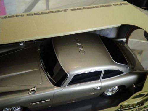 DB5 ラジコンカー 上部.jpg