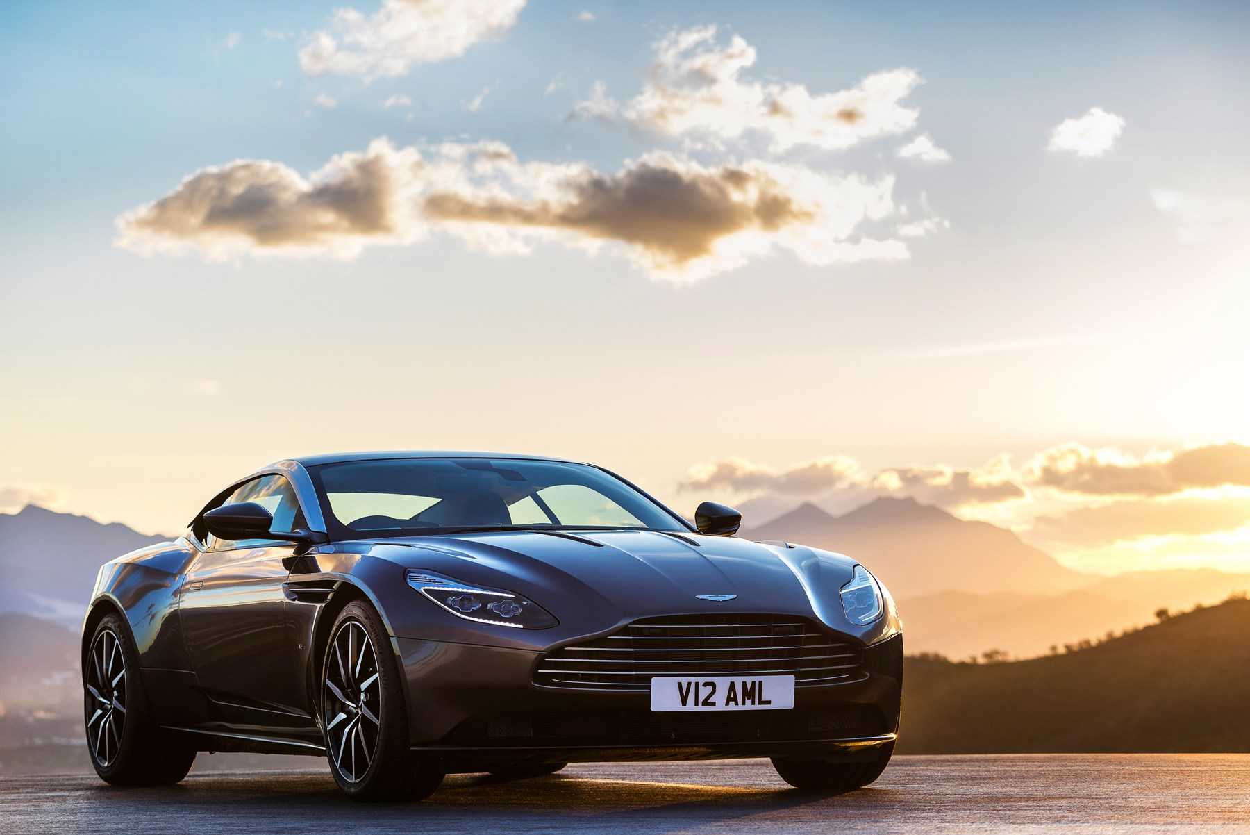 160622aston_martin_db11_car_design_award_2016.jpg