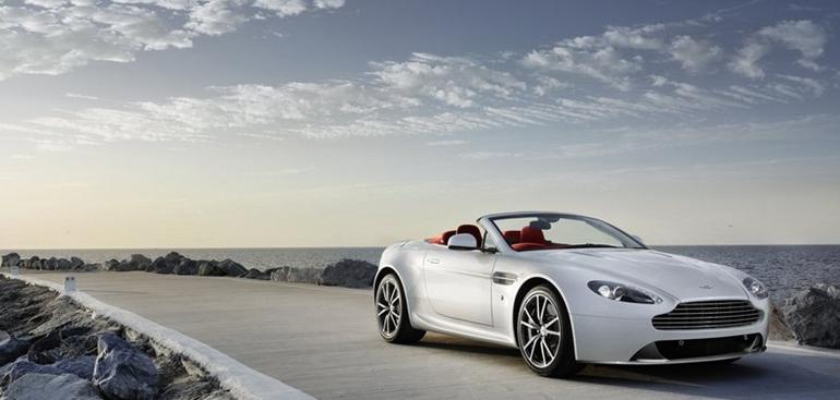 Aston_Martin-V8_Vantage_2012_800x600_wallpaper_02.jpg