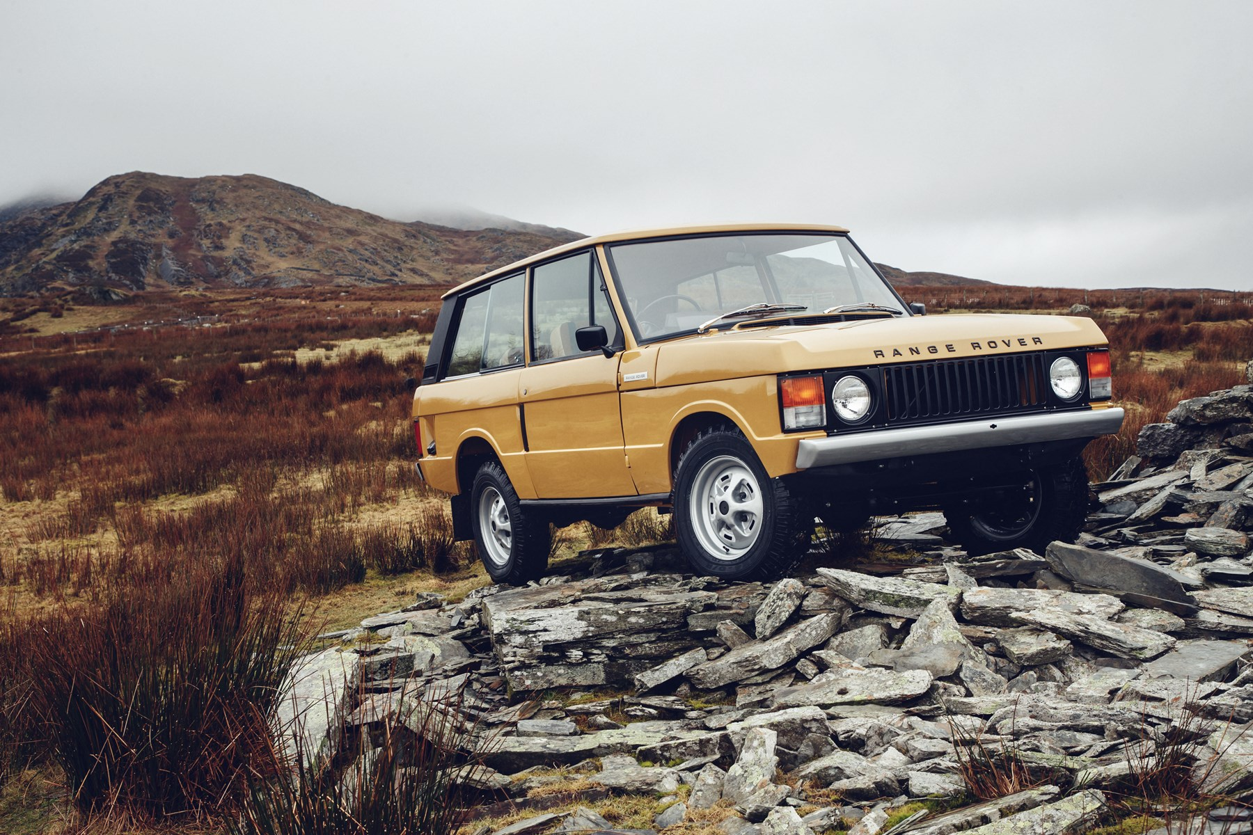 170215range-rover-reborn-set-world-debut-salon-retromobile