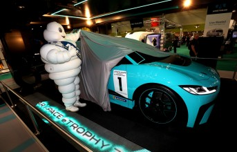 180115jaguar-racing-announce-michelin-jaguar-i-pace-etrophy-partner