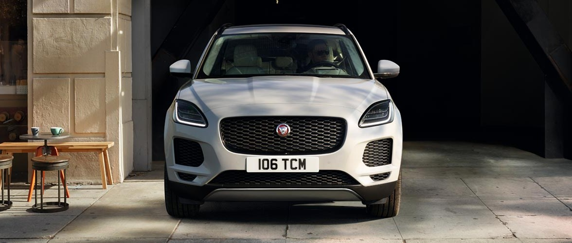 190227_jaguar_e-pace_CONNECTED