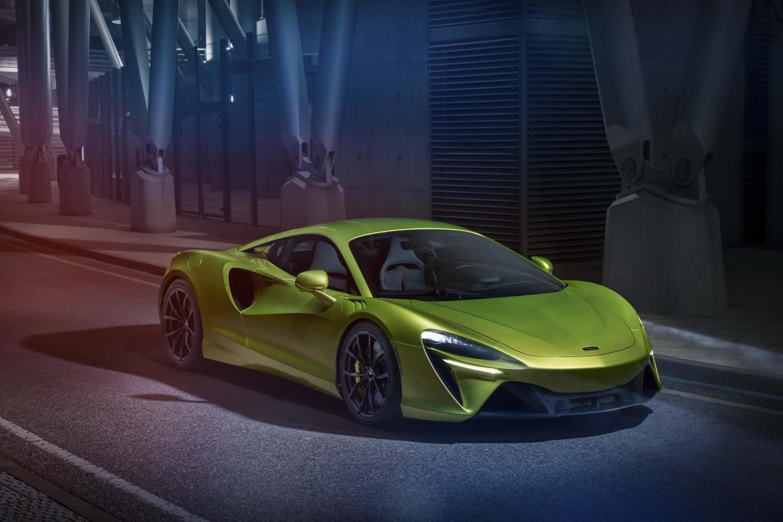 Small-12906-McLarenArtura